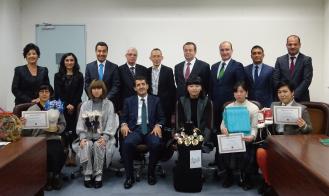受賞者とトルコ経済省および大使館の方々